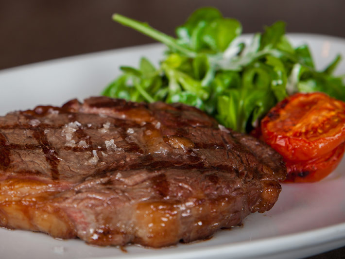 Supermarket Steaks – how to choose & cook the perfect steak at home