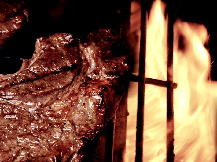 Here comes the summer… throw a steak on the barbie!